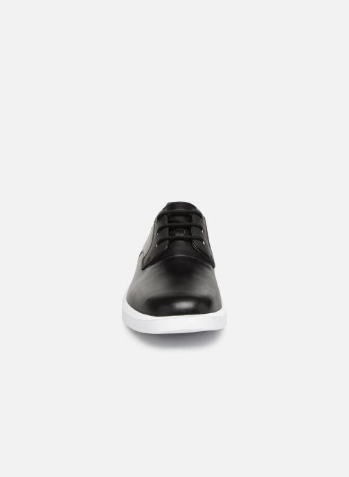 Zapatos con cordones Camper Bill K100356 Negro vista del modelo