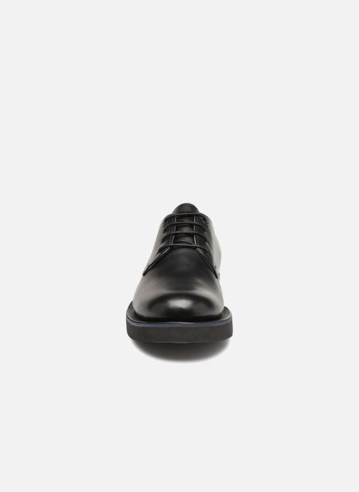 Zapatos con cordones Camper Tyre K100362 Negro vista del modelo