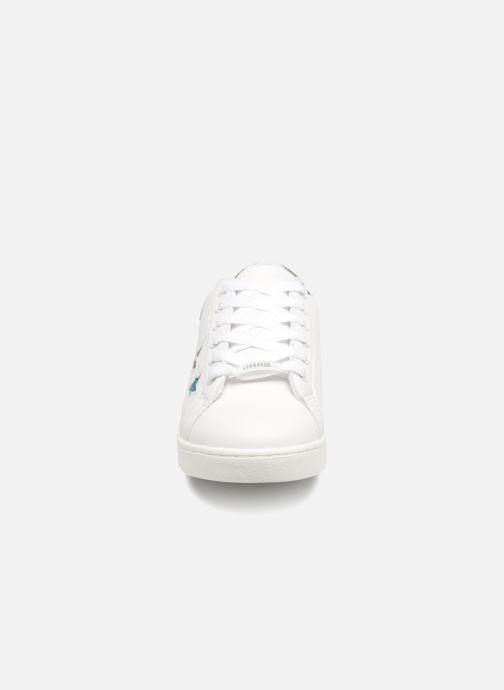Baskets MTNG 69062 Blanc vue portées chaussures
