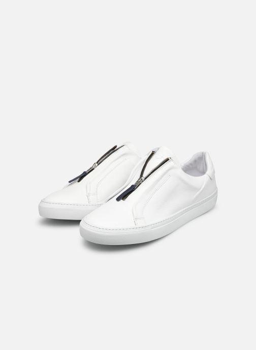 Sneaker Mr SARENZA Norino weiß ansicht von unten / tasche getragen