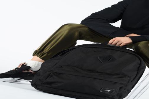 Sacs à dos Vans OLD SKOOL PLUS Noir vue bas / vue portée sac
