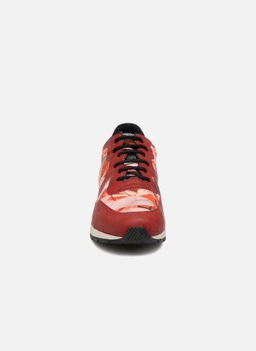 Baskets Geox D SHAHIRA B D64N1B Rouge vue portées chaussures