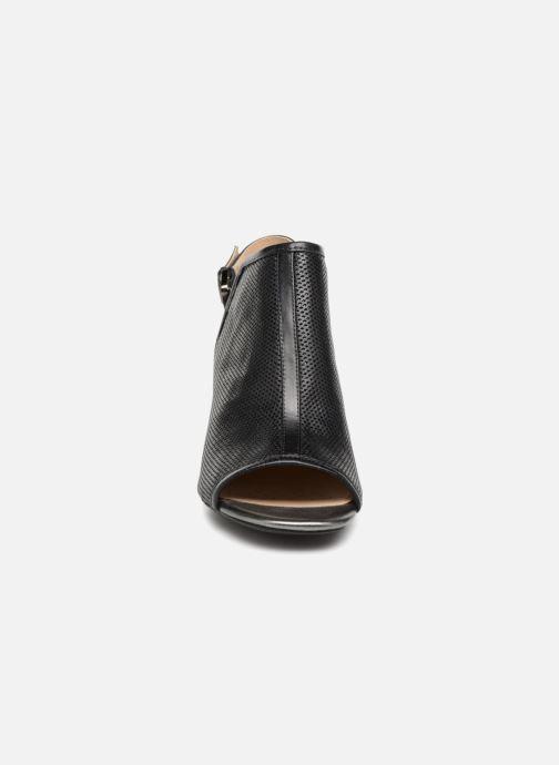 Sandali e scarpe aperte Geox D MARILYSE C D724UC Nero modello indossato