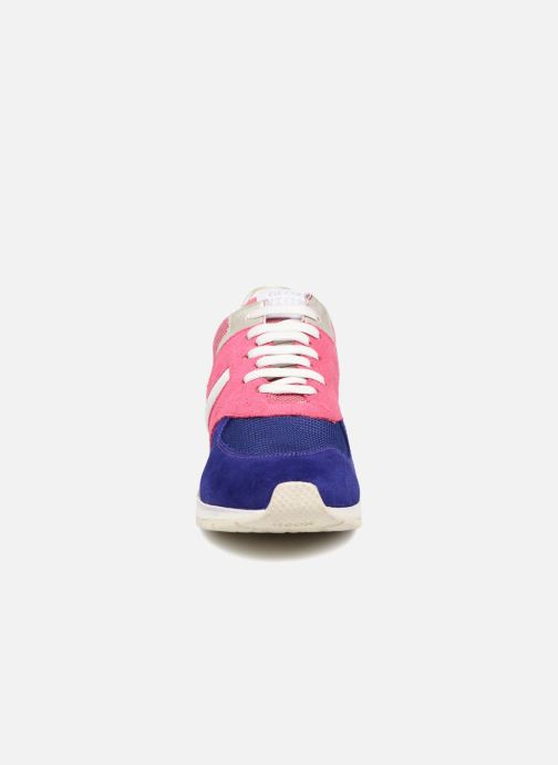 Sneakers Geox D SHAHIRA D72N1A Rosa modello indossato