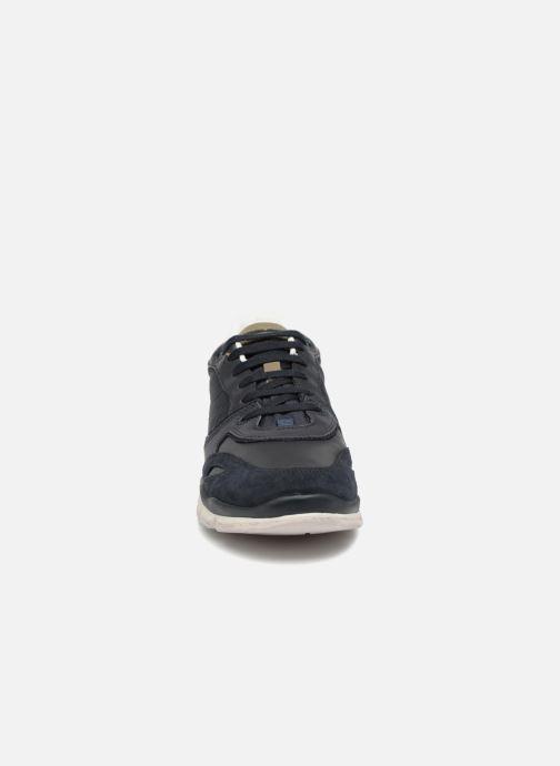 Sneakers Geox U SANDFORD A U72A6A Azzurro modello indossato