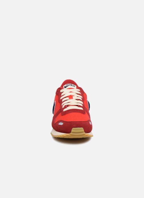 Baskets Nike Nike Air Vrtx Se Rouge vue portées chaussures