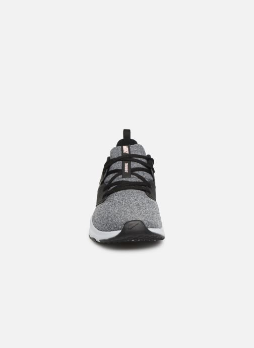 Sportskor Nike Wmns Nike Air Bella Tr Svart bild av skorna på