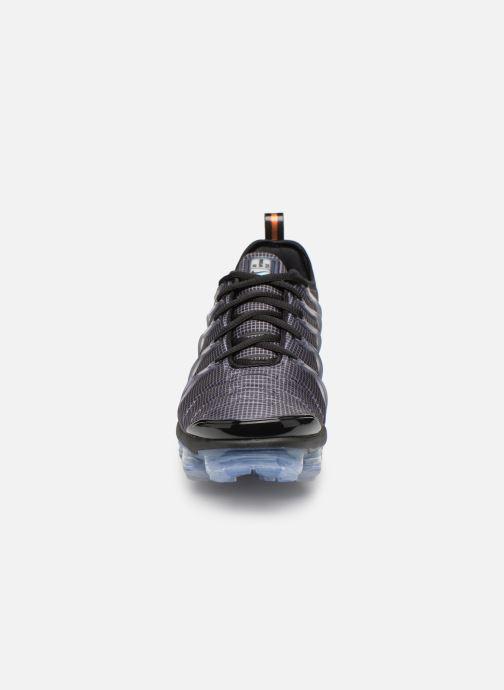 Sneaker Nike Air Vapormax Plus schwarz schuhe getragen