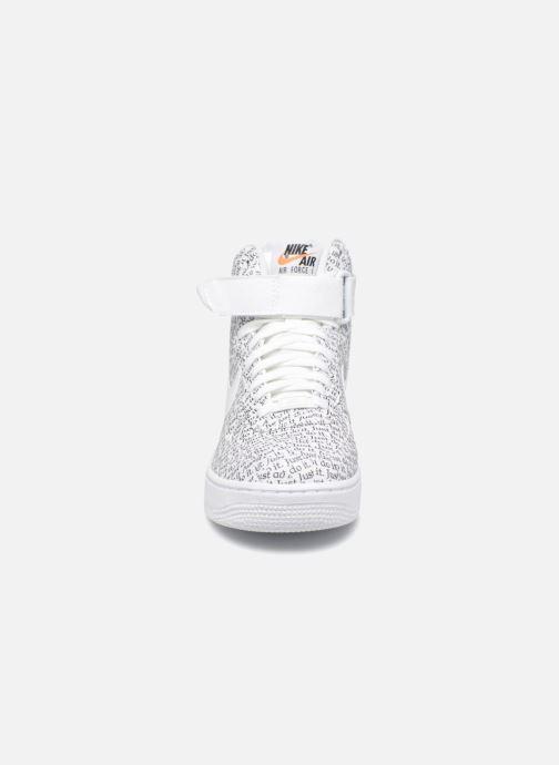 Sneaker Nike Wmns Air Force 1 Hi Lx weiß schuhe getragen