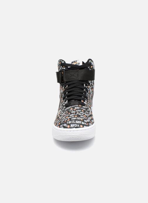 Sneaker Nike Wmns Air Force 1 Hi Lx schwarz schuhe getragen