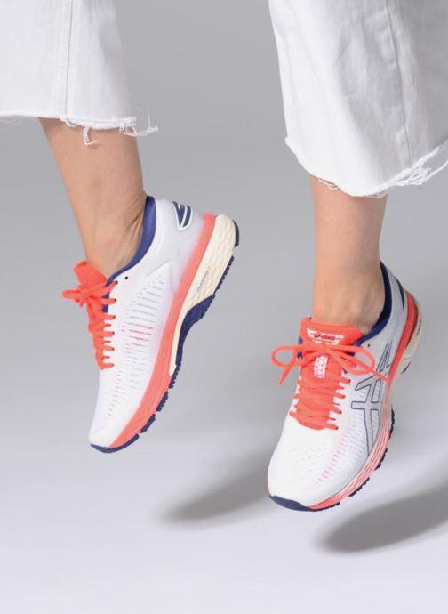 Chaussures de sport Asics Gel-Kayano 25 Blanc vue bas / vue portée sac