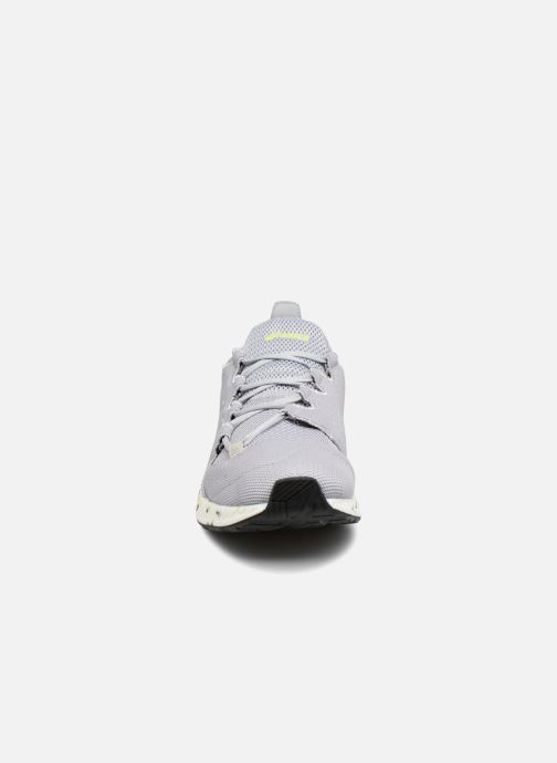 Sneakers Asics Hyper Gel-Sai Azzurro modello indossato