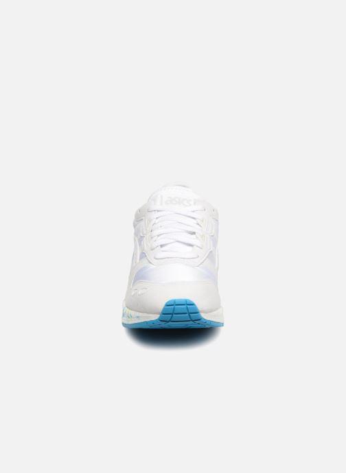 Sneakers Asics Hyper Gel-Lyte Bianco modello indossato