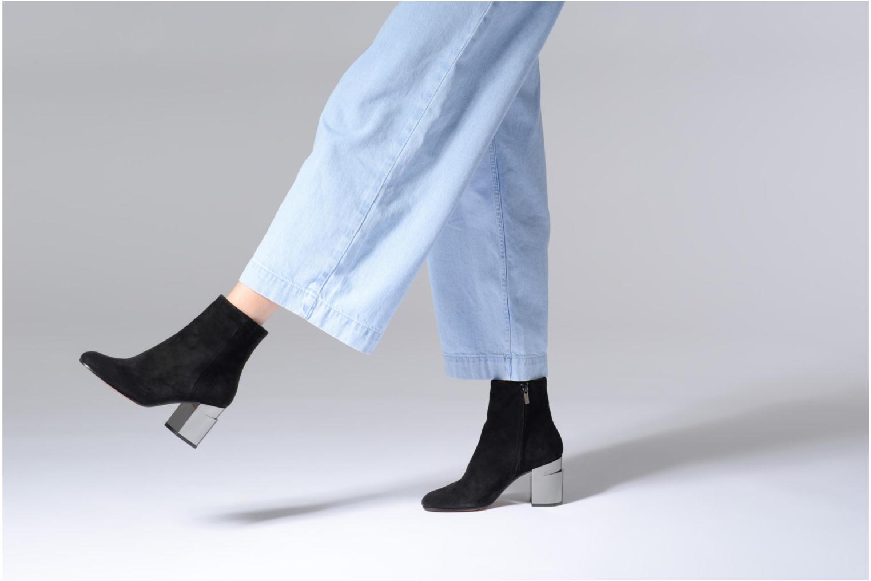Stiefeletten & Boots Clergerie Keyla schwarz ansicht von unten / tasche getragen