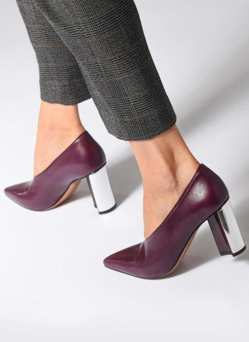 High heels Clergerie Kathleen Purple view from underneath / model view