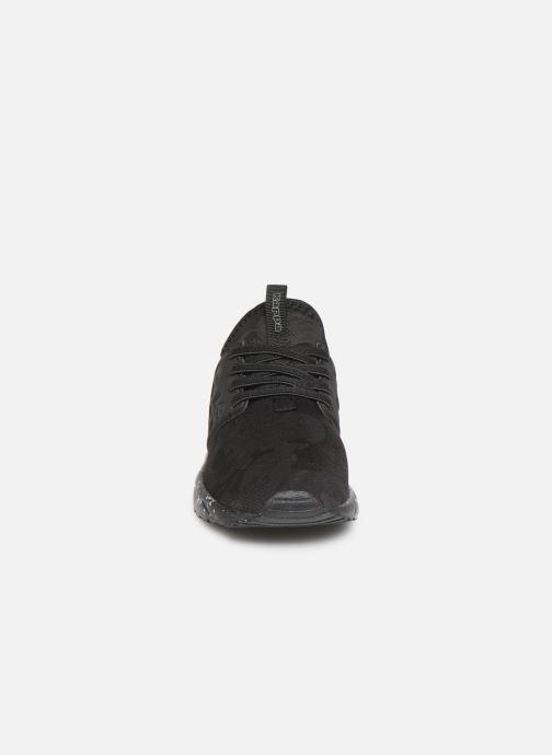 Sneakers Kappa San Antonio Nero modello indossato