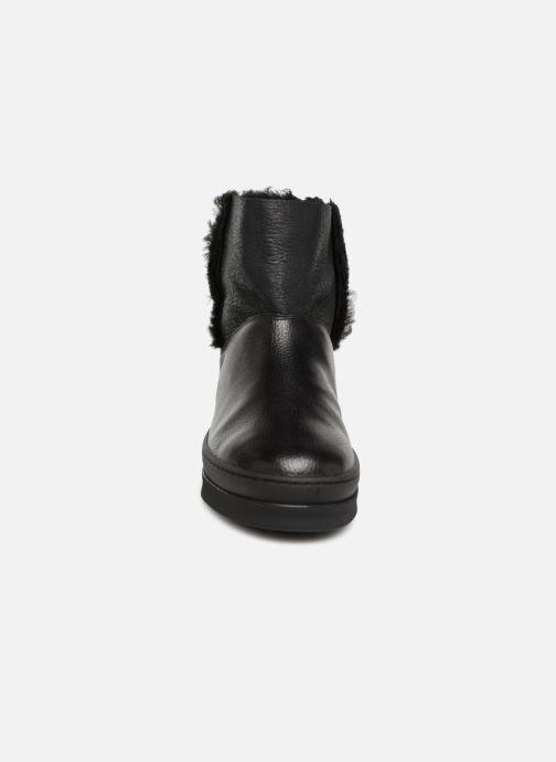 Bottes Unisa Flory Noir vue portées chaussures