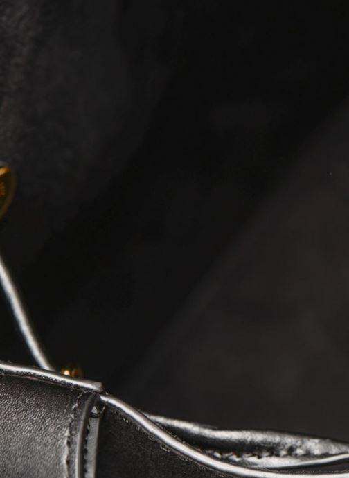 Handtaschen Michael Michael Kors CARY SM BUCKET BAG schwarz ansicht von hinten