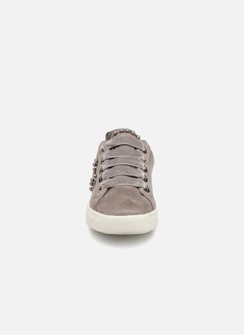 Baskets I Love Shoes Serina Gris vue portées chaussures