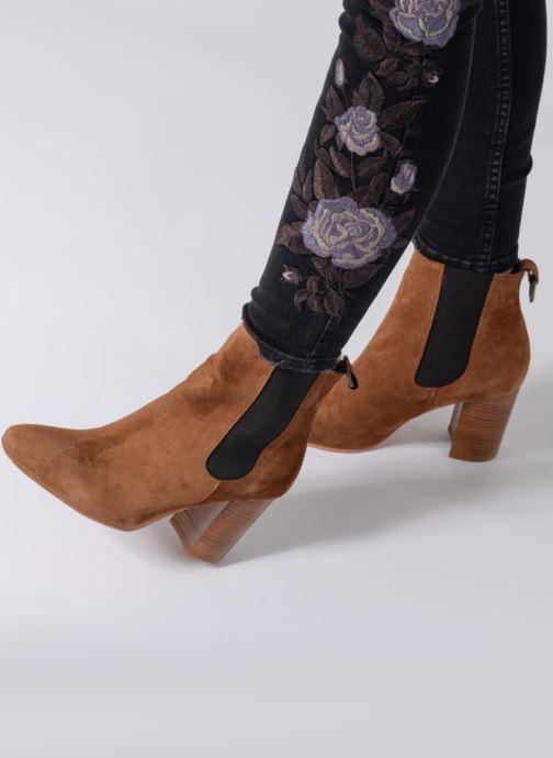 Stiefeletten & Boots Anaki LED braun ansicht von unten / tasche getragen