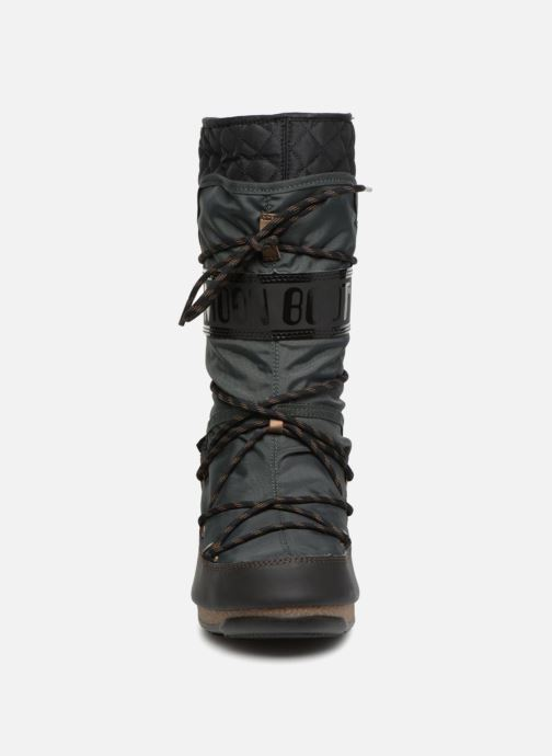 Sport shoes Moon Boot monaco flip Black model view