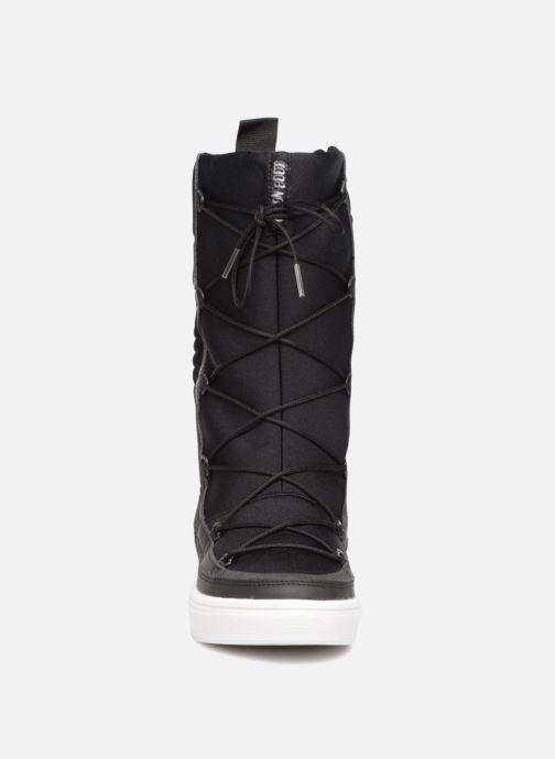 Chaussures de sport Moon Boot Vega Hi TF Noir vue portées chaussures