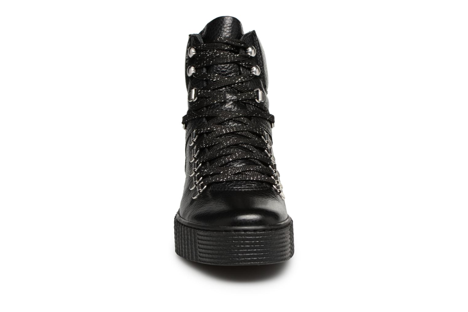 Ankle boots Shoe the bear AGDA L Black model view