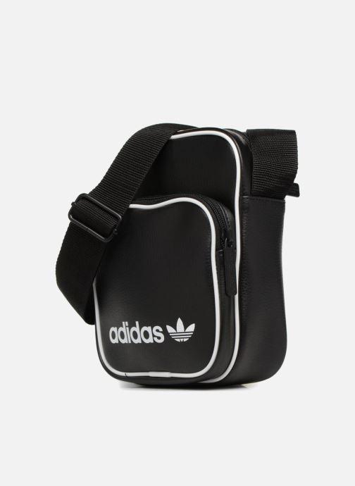 Sacs homme adidas originals MINI BAG VINTAGE Noir vue portées chaussures