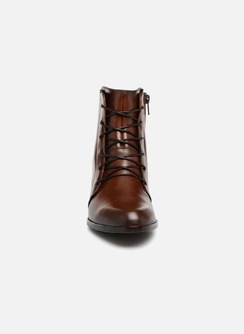 Bottines et boots Dorking Zuma 7624 Marron vue portées chaussures