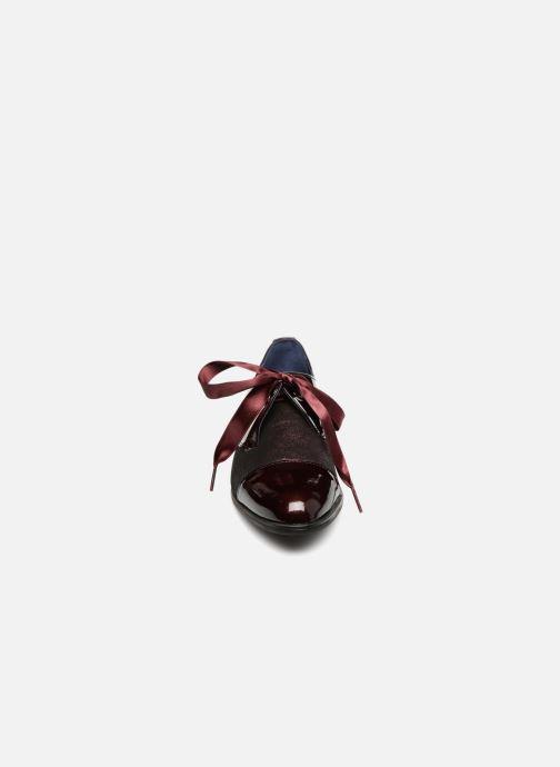 Chaussures à lacets Dorking Vesna 7631 Bordeaux vue portées chaussures
