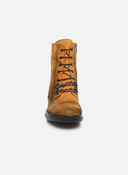 Bottines et boots Dorking Matrix 7668 Jaune vue portées chaussures