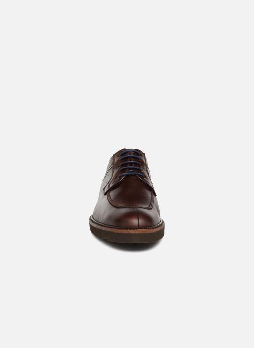 Zapatos con cordones Fluchos Cavalier F0045 Marrón vista del modelo