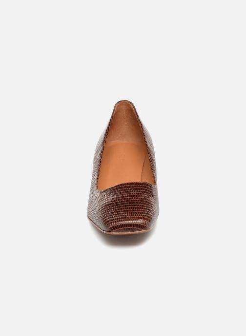 Escarpins BY FAR Agatha Marron vue portées chaussures