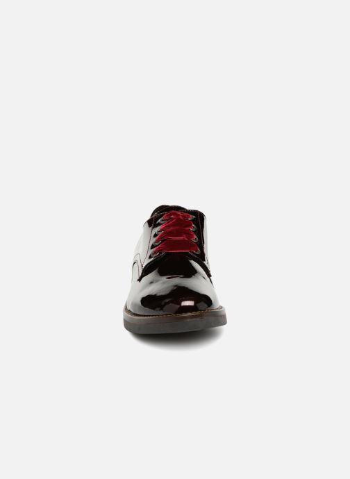 Chaussures à lacets Georgia Rose Gevelta Bordeaux vue portées chaussures