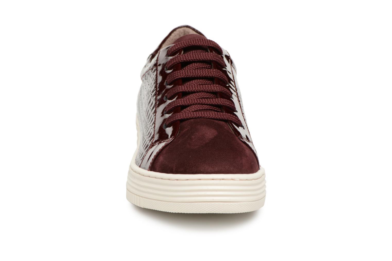 Sneakers Georgia Rose Gloriana Vinröd bild av skorna på