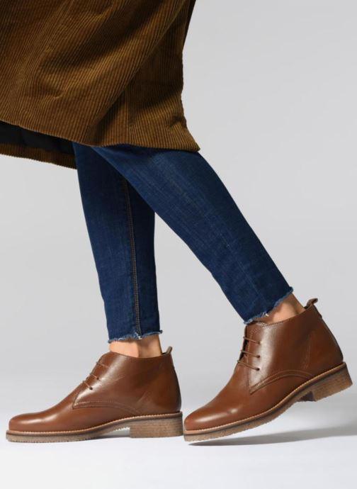 Bottines et boots Georgia Rose Awafle Marron vue bas / vue portée sac