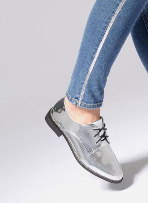 Schnürschuhe I Love Shoes CLEMINA silber ansicht von unten / tasche getragen