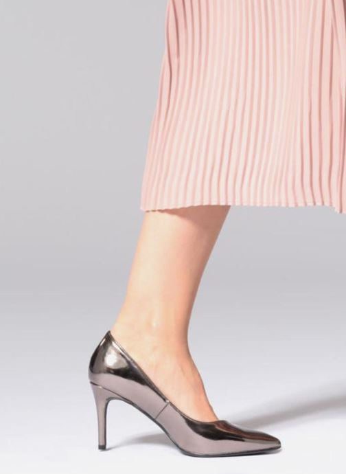 High heels I Love Shoes CADAME Silver view from underneath / model view