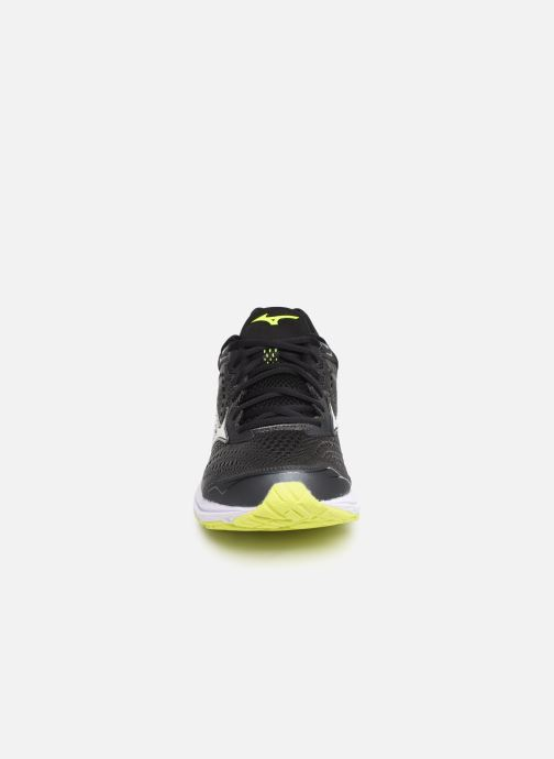 Chaussures de sport Mizuno Wave Rider 22 Gris vue portées chaussures