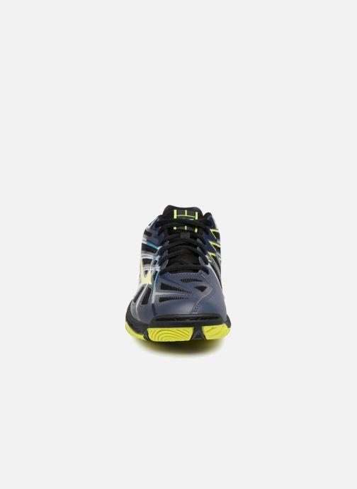 Chaussures de sport Mizuno Wave Hurricane 3 Noir vue portées chaussures