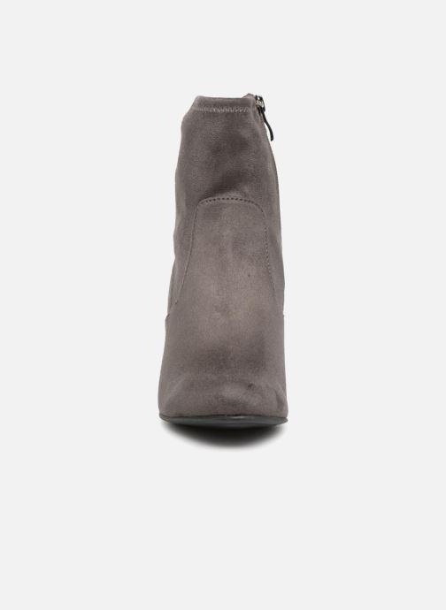 Bottines et boots Caprice Jilian Gris vue portées chaussures