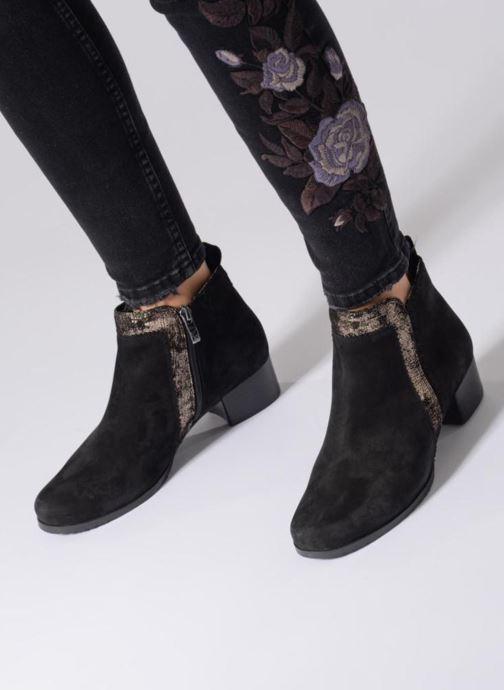 Bottines et boots Caprice Léa Noir vue bas / vue portée sac