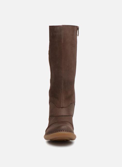 Bottes El Naturalista Aqua N5329 Marron vue portées chaussures
