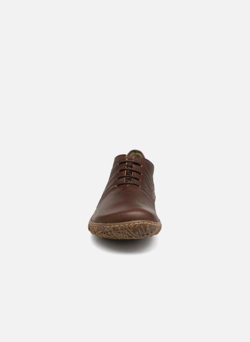 Zapatos con cordones El Naturalista Nido N5442 Marrón vista del modelo