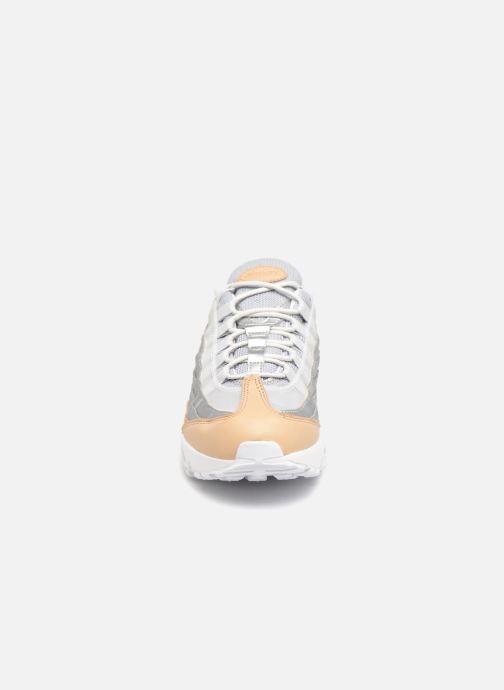 Baskets Nike Wmns Air Max 95 Se Prm Gris vue portées chaussures