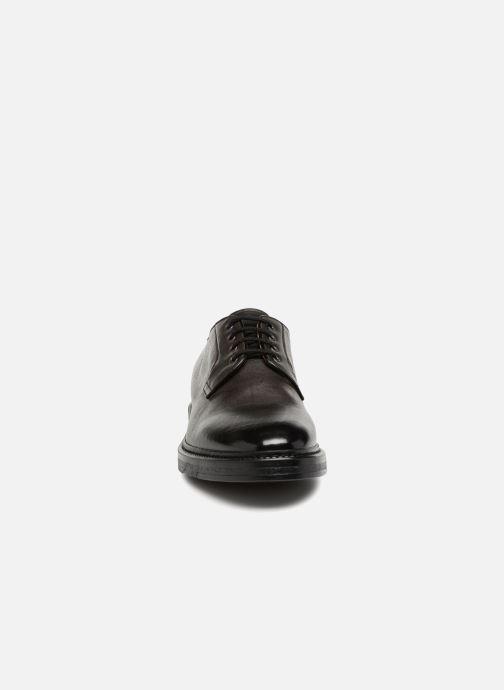 Chaussures à lacets Doucal's LOIC Gris vue portées chaussures