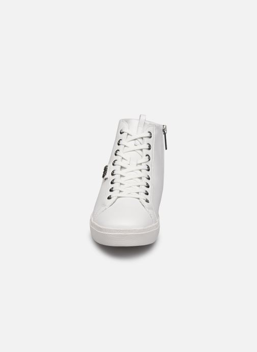 Baskets Karl Lagerfeld Skool Karl Ikonic Hi Lace Blanc vue portées chaussures