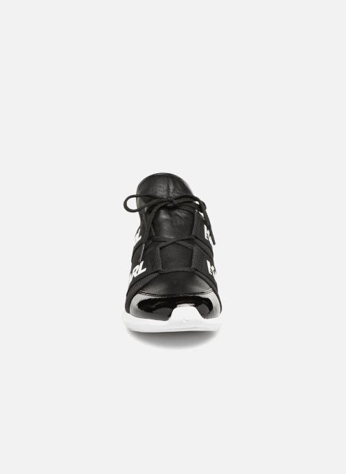 Baskets KARL LAGERFELD Vitesse Legere Strap Lth Noir vue portées chaussures