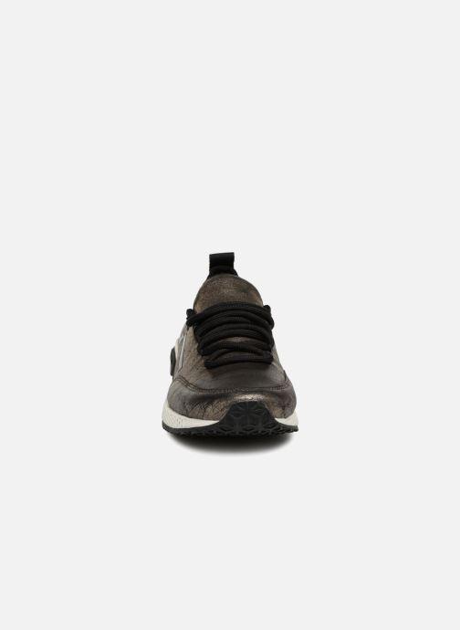 Baskets Diesel SKB S-KBY Or et bronze vue portées chaussures