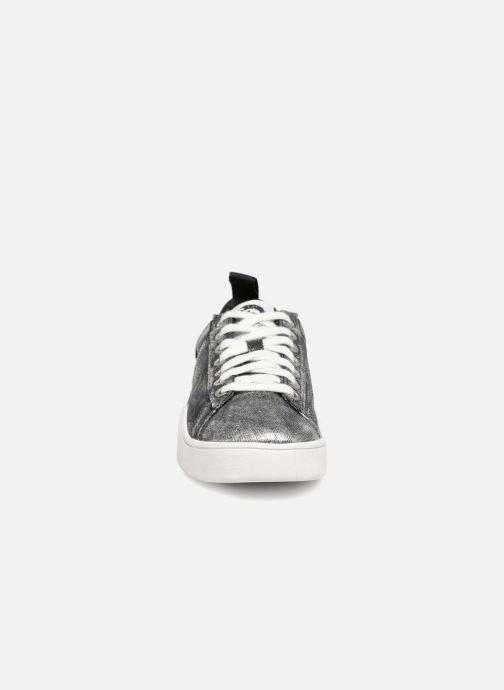 Sneakers Diesel CLEVER S-CLEVER LOW W Silver bild av skorna på